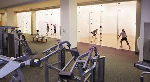 la fitness racquetball courts