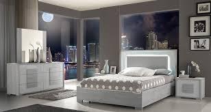 Florence Gray Wood Italian Modern Platform Bedroom Set (3 Piece Set)