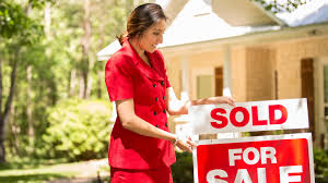 Real Estate Agent, Broker, Realtor: What's the Difference? | realtor.com®