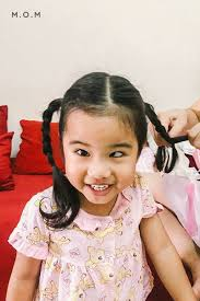 bé gái xinh đẹp nhất thế giới bố mẹ phải nghỉ việc theo sát con vì sợ bị  quấy rối hashtag trên BinBin: 37 hình ảnh và video