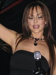 グロリア (歌手) - Wikipedia