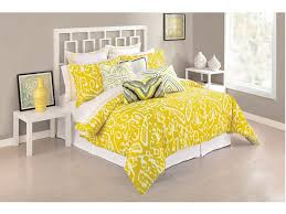 bedroom fascinating master bedroom decor with queen bed and yellow blanket plus white bedding sets