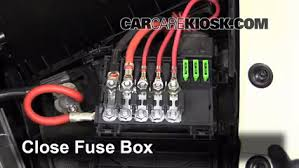 replace a fuse 1998 2005 volkswagen beetle 2003 volkswagen 6 replace cover secure the cover and test component