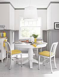 round expandable dining tables