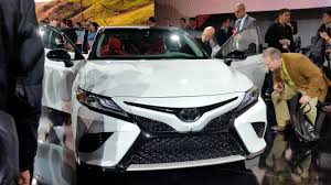 2018 toyota white camry. modren 2018 the twotone option for the 2018 toyota camry is shown john  huetterrepairer driven news in toyota white camry