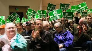 Downtown Yakima plaza meeting draws hundreds; mayor remains undecided |  Local | yakimaherald.com