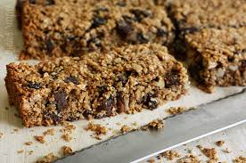 granola bars with oats raisins and chocolate