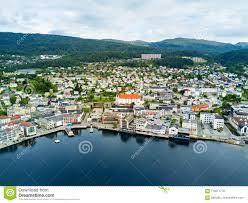Molde-Stadt in Norwegen stockfoto. Bild von schön, nave - 114071718