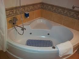 ambassador hotel jacuzzi bath