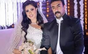 شقيق ياسمين عبدالعزيز ينفي انفصالها عن زوجها