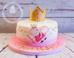 Peppa Pig Bedroom Decor 17 Best Ideas About Peppa Pig Cakes On Pinterest Peppa Pig