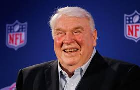 John Madden, who coached a Super Bowl winner in the 1976 season, likes the Scott Halleran/Getty ImagesJohn Madden, who coached a Super Bowl winner in the ... - dogSECONDS-blog480