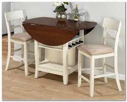 round or rectangular dining table for small space