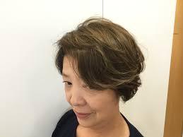 今大注目の髪質改善プラン アルカリカラーを傷まないカラーに変え