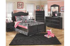 ashley bedroom sets black. poster headboards and footboards with turned ball finials dressed in a rich black finish accompanied by ashley bedroom sets