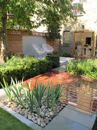 Small Picture Garden as featured on Alan Titchmarshs show Love Your Garden