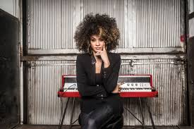 kandace springs main background