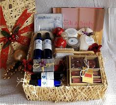35 Creative DIY Gift Basket Ideas For This Holiday  Homemade Christmas Gift Baskets Online