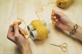 2-incredible-ways-to-make-yarn-pom-poms21