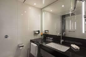 Classic Bathroom Suites Rooms Suites Hotel Kapnigswinter Book Hotels Kapnigswinter Maritim