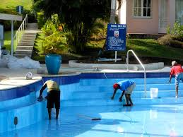 Signs Your Swimming Pool Needs Maintenance