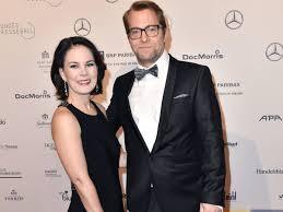 Annalena baerbock was born on december 5, 1980 in hannover, lower saxony, germany as annalena charlotte alma baerbock. Annalena Baerbock Privat Ehemann Kinder Und Fussball Leidenschaft Derwesten De