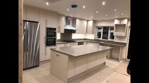 Fitted kitchens uk White Fitted Kitchens Bespoke Fitted Kitchen Furniture London Uk Fitted Kitchens Devon Fitted Kitchens Bespoke Fitted Kitchen Furniture London Uk Youtube