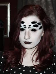 creepy spider eyes make up design perfect for