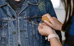 how to distress denim jacket mark with chalk