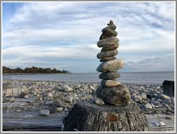 Rock Sculpture burying hill beach 06880 6816 by xevi.us
