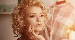 2 Retro Ako Marilyn Akadémia Krásy