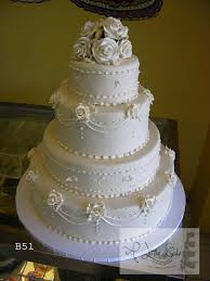 C511 Layered Fondant Wedding Cake With Elegant Rose Design