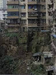 Tượng Phật không đầu được phát hiện ở gần khu chung cư Trung Quốc