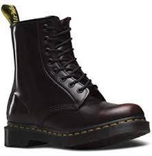 Amazon Com Dr Martens 1460 Original 8 Eye Leather Boot