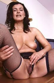 Mature women over 40 nude pantyhose