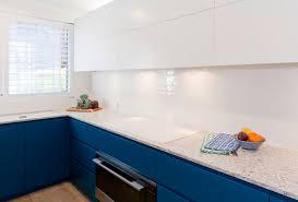 modern blue and white kitchen design featuring caesarstone blanco drift stone benchtop dulux polyurethane kitchen