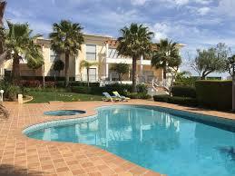 3 Schlafzimmer 2 Badezimmer Luxus Wohnung Mit Pool Jacuzzi 8 Minuten Zum Strand Porto De Mós