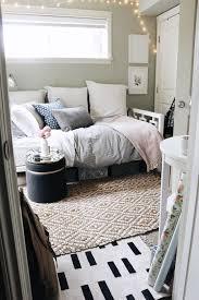 Tiny Bedroom Tour (Courtneyu0027s ...