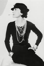 Coco Chanel: Alles über das bewegte und bewegende Leben der Stil-Ikone