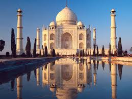 Famous architecture in the world Iconic 5 Taj Mahal Toptenz Top 10 Most Iconic Buildings In The World Toptenznet