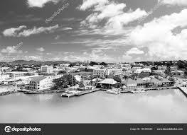 聖ヨハネ アンティグア 2016 ヨット ボート 港でかわいい家湾海 海の水