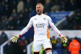 Chelsea: Frank Lampard could snub Man United with surprise move for Kasper  Schmeichel