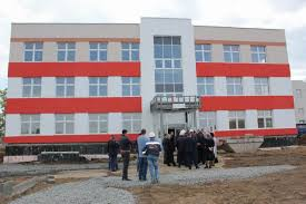 Образовательный центр в Мичуринском распахнет свои двери в новом   26 мая в рамках контрольного объезда Верх Исетского района проинспектировал ход строительства образовательного центра в микрорайоне Мичуринском на