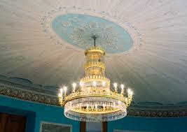 Filedoberan Großes Palais Ovaler Saal Kronleuchter Und