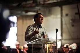u s department of defense photo essay deputy defense secretary ashton b carter addresses sailors and shipyard workers on the aircraft carrier