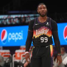 Phoenix Suns take on Lakers ...