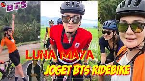 Luna maya sepedaan di bali. Luna Maya Sepedaan Ke Jogyakarta Saking Happynya Joged Bts Youtube