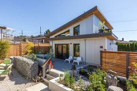 A live/work laneway house for a graphic artist   Lanefab