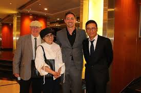 "wumidaphne on Twitter: ""#leepace #hongkong #china #flyingtigers Hong Kong  star Michael Miu with Lee and his father to visit the racecourse.  @leepaceitaly1 @thelpfn @joylight62 @liolka4 @MaryAnn84 @glorfirith…  https://t.co/McV5eJ7riY"""