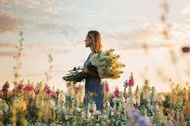 book review cut flower garden grow harvest arrange stunning seasonal blooms by